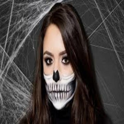 Make Up Spooky Lipstick Suitable For Parties